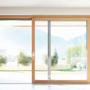 Drzwi podnoszono-przesuwne HST-Sky/Fakro. Produkt zgłoszony do konkursu Dobry Design 2019.