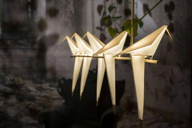 Jego niezwykłe projekty przykuwają oko i skłaniają do zadumy. Projektuje dla światowych marek, w tym dla słynnej Moooi. Miło nam ogłosić, że jednym z gości tegorocznego Forum Dobrego Designu będzie brytyjski designer Umut Yamac.