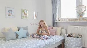 Kiedy Monika Mrozowska wraz z córkami przeprowadziła się do nowego mieszkania na warszawskim Ursynowie, musiała zmierzyć się z niewielką przestrzenią, ale przede wszystkim z oczekiwaniami dwóch córek, które zapragnęły mieć niezależne pokoje