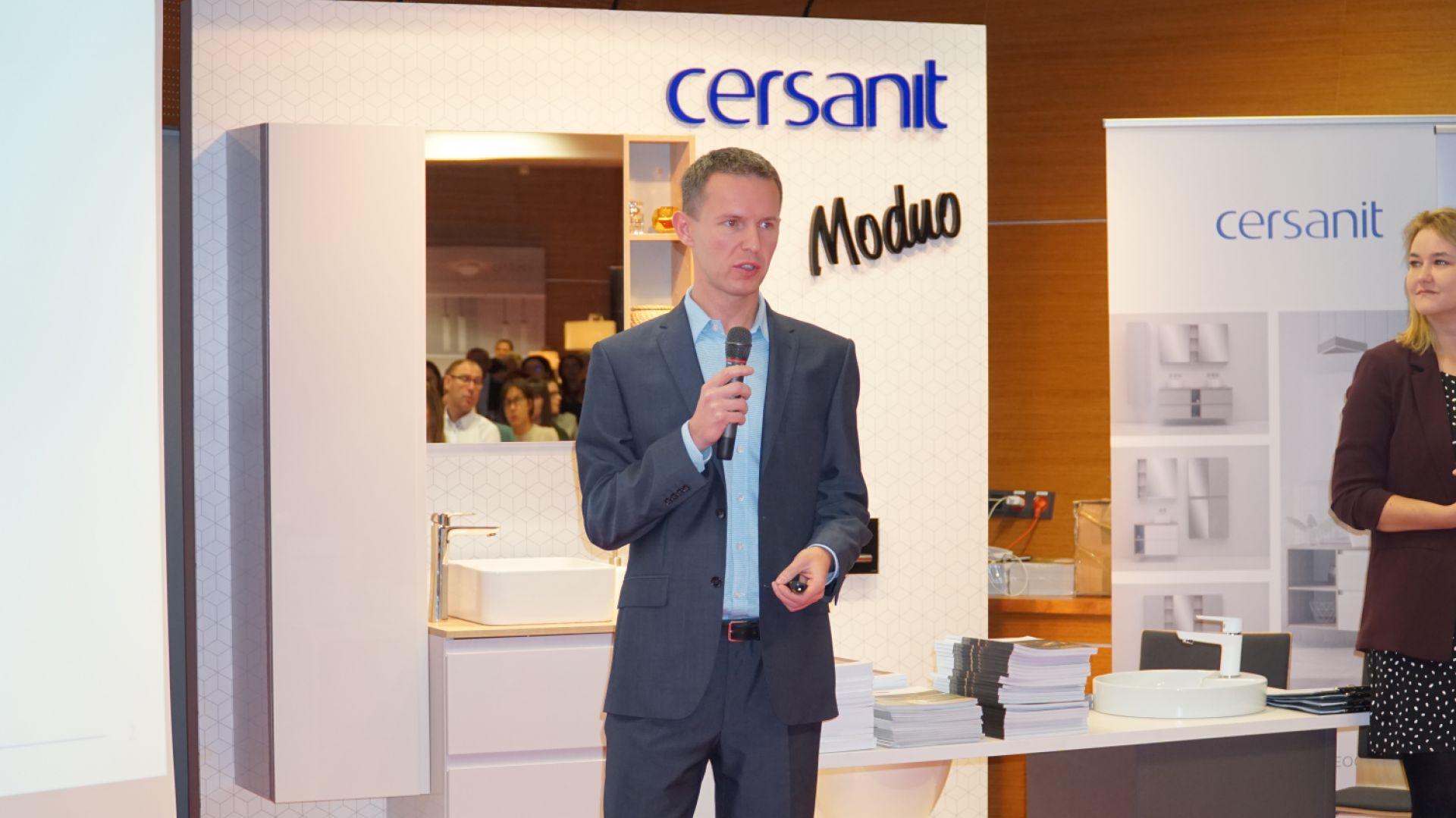 Konrad Zalewski z firmy Cersanit