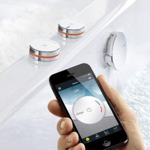 Kąpiel można przygotować również zdalnie za pomocą dodatkowego modułu WLAN, który współpracuje z telefonami lub tabletami. Fot. Viega