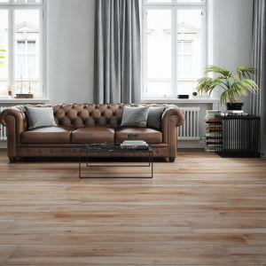 Stylowa kolekcja wielkoformatowych płyt gresowych Mattina sabbia inspirowanych drewnem. Fot. Cerrad