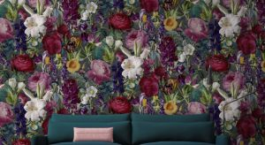 Nowoczesne, zdobione fantazyjnymi wzorami, nasycone kolorem. Tapety wracają na salony i odmieniają nie tylko nasze domy, ale również przestrzenie publiczne. Są świetnym elementem dekoracyjnym, który ożywia wnętrza i wprowadza nutę elegancji.