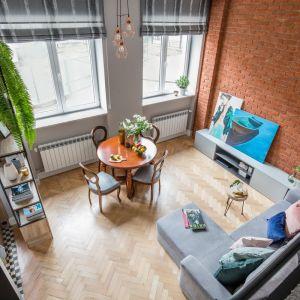 Małe mieszkanie - pomysły na kawalerkę. Projekt: Monika Pniewska. Fot. Marta Behling  Pion Poziom
