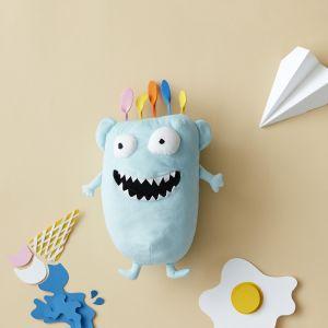 Sagoskatt 2018 - seria zabawek IKEA - figlarny niebieski potwór o imieniu… Potwór. Fot. IKEA
