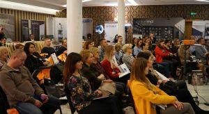 Ponad 80 osób uczestniczyło w spotkaniu Studia Dobrych Rozwiązań, którepo raz pierwszy gościło w tym roku w Radomiu. Organizatorzy przygotowali bardzo bogaty program, w tym kilkanaście prezentacji partnerów wydarzenia, wkład eksperta z dziedzi