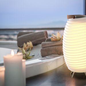 Nowoczesne oświetlenie - lampa, głośnik i schowek w jednym Fot. Dutchhouse