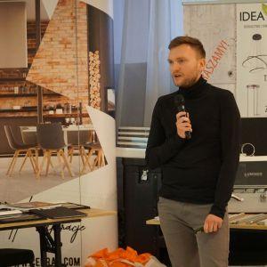 Paweł Biedrzycki, założyciel pracowni Kąty Proste, mówił o fotografii wnętrz i architektury.
