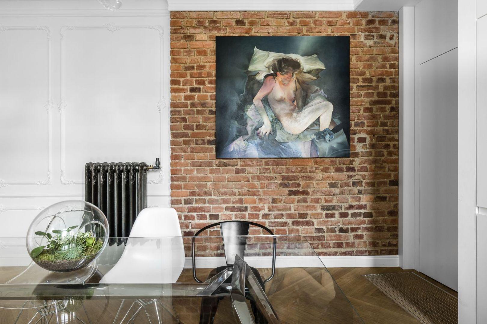"""Aranżacyjną kropką nad """"i"""" są kolekcjonowane przez właścicieli dzieła sztuki. Projekt: Anna Maria Sokołowska. Fot. Foto&Mohito"""