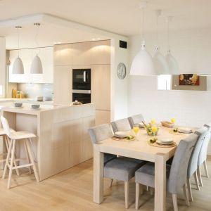 Kuchnia i łazienka to zdecydowanie najtrudniejsze do zaprojektowania pomieszczenia. Projekt: Małgorzata Galewska. Fot. Bartosz Jarosz