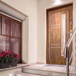Bezpieczne i komfortowe drzwi zewnętrzne Radex Apollo. Fot. 4iQ