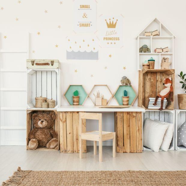 Pokój dziecka - malujemy drewniane meble i zabawki