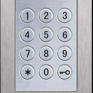 Klawiaturę numeryczną można zainstalować bezpośrednio w drzwiach zewnętrznych lub na ścianie; z podświetleniem LED. Fot. OknoPlus