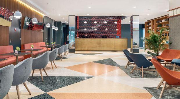 Hotelowe wnętrza inspirowane wzornictwem epoki PRL