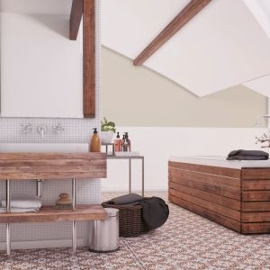 Malowanie ścian w łazience. Fot Dekoral