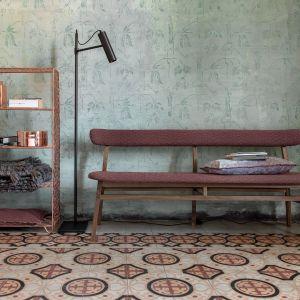 Tapicerowana ławka z kolekcji Brick (proj. Paola Navone). Fot. Gervasoni /Studio Forma 96