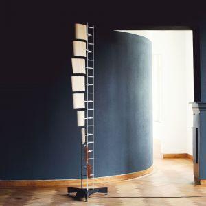 Cam Fan - innowacyjny wentylator wykorzystujący aluminium i fornirowane płyty. Projekt Rick Tegelaar - w wersji podłogowej