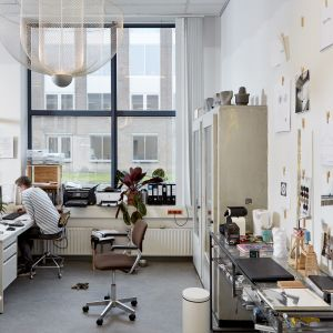 Rick Tegelaaar w swoim warsztacie. Fot. Ronald Smits