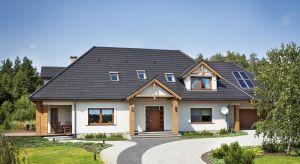 Ponieważ pewny dach nad głową to podstawa bezpieczeństwa, warto dokonać przeglądu dachu. Jesień to dobry moment na tego typu porządki, aby wszystko był jak najlepiej przygotowane do zimy.