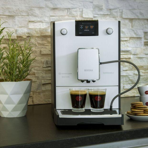 Kawa w wielkomiejskim stylu - z nowoczesnego ekspresu
