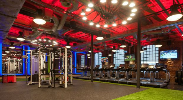 Nowoczesny fitness klub - wnętrze motywuje do treningu