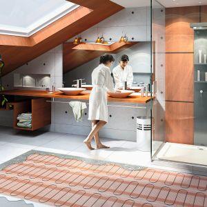 Elektryczne ogrzewanie podłogowe (podobnie jak wodne) należy do dyskretnych (niewidocznych) systemów grzewczych. Jest całkowicie ukryte pod posadzką. Fot. Pentair