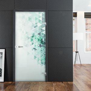 Drzwi szklane hartowane. Zdobienia wykonane zostały technologią nadruku ceramicznego, który jest trwały i nieusuwalny z powierzchni szkła. Dostępne w ofercie marki Glasimo. Fot. Glasimo