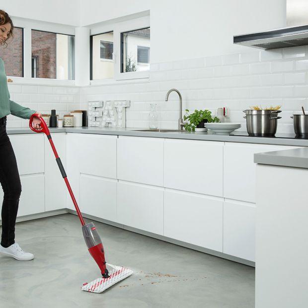 Czyste podłogi jesienią - sięgnij po praktyczne akcesoria