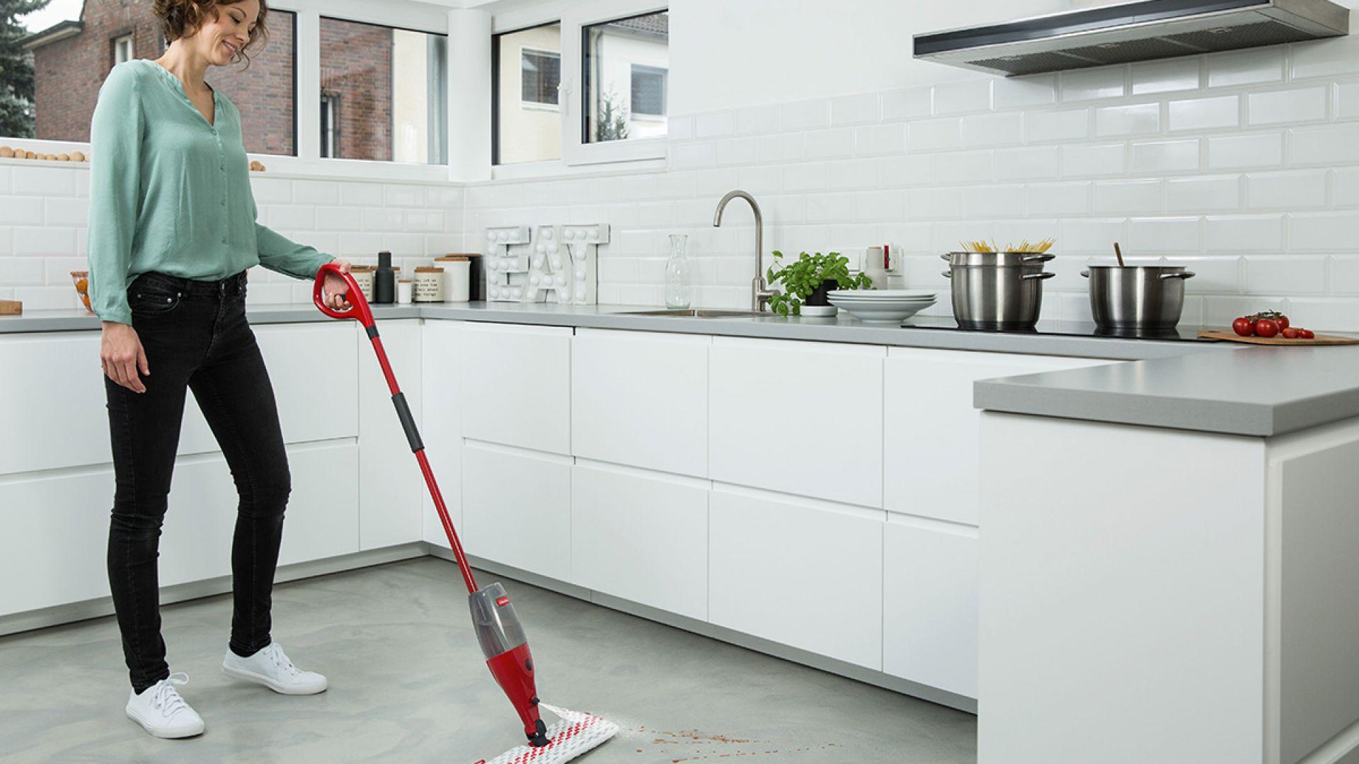 Czyste podłogi jesienią. Mop Spray & Clean marki Vileda. Fot. Vileda