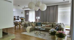 W przypadku prac nad tym domem, zadaniem zespołu HOLA Design było stworzenie spokojnej oazy rodzinnego życia, do której można uciec od zgiełku miasta. Dom łączy w sobie skandynawski minimalizm i polską przytulność. Założyciel HOLA Design, Ada
