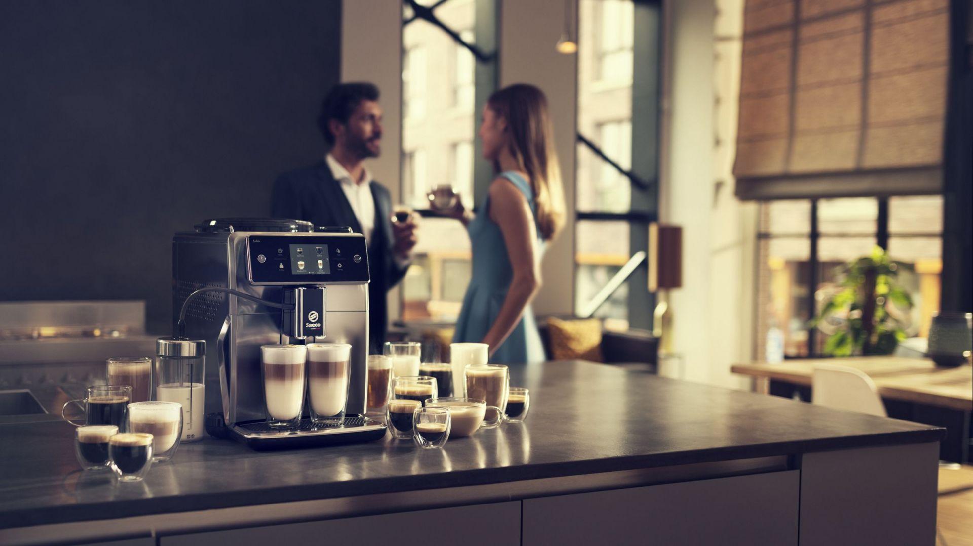 Nowoczesne ekspresy - idealne prezenty dla miłośników kawy. Fot. Philips
