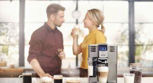 Kawa jest jednym z najbardziej lubianych, ciepłych napojów na świecie. Miłośników małej czarnej, delikatnej latte lub cappuccino nie brakuje również w Polsce.