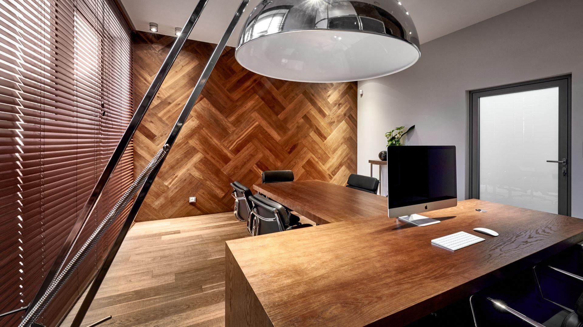 drewno w biurze2. autor-kaczkan.jpg