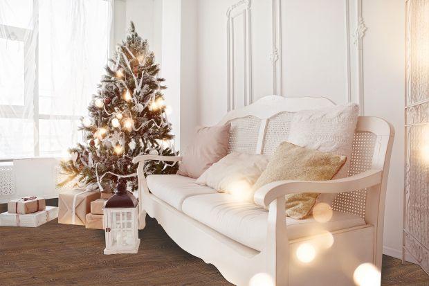 Wraz z nadejściem grudnia rozpoczynamy przedświąteczne przygotowania. Jednym z najprzyjemniejszych aspektów tego okresu jest dekorowanie czterech kątów. Dzięki własnoręcznie wykonanym ozdobom w domu zapanuje ciepły nastrój, a rodzina będzie mo
