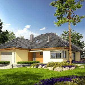 Nowoczesna bryła domu przekrytego czterospadowym dachem doskonale wpisze się zarówno w działkę miejską, jak też wiejską. Dom Astrid II G2. Projekt: arch. Artur Wójciak. Fot. Pracownia Projektowa Archipelag