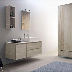 Aranżacja łazienki - nowoczesne meble łazienkowe. Fot. Scarabeo Ceramiche