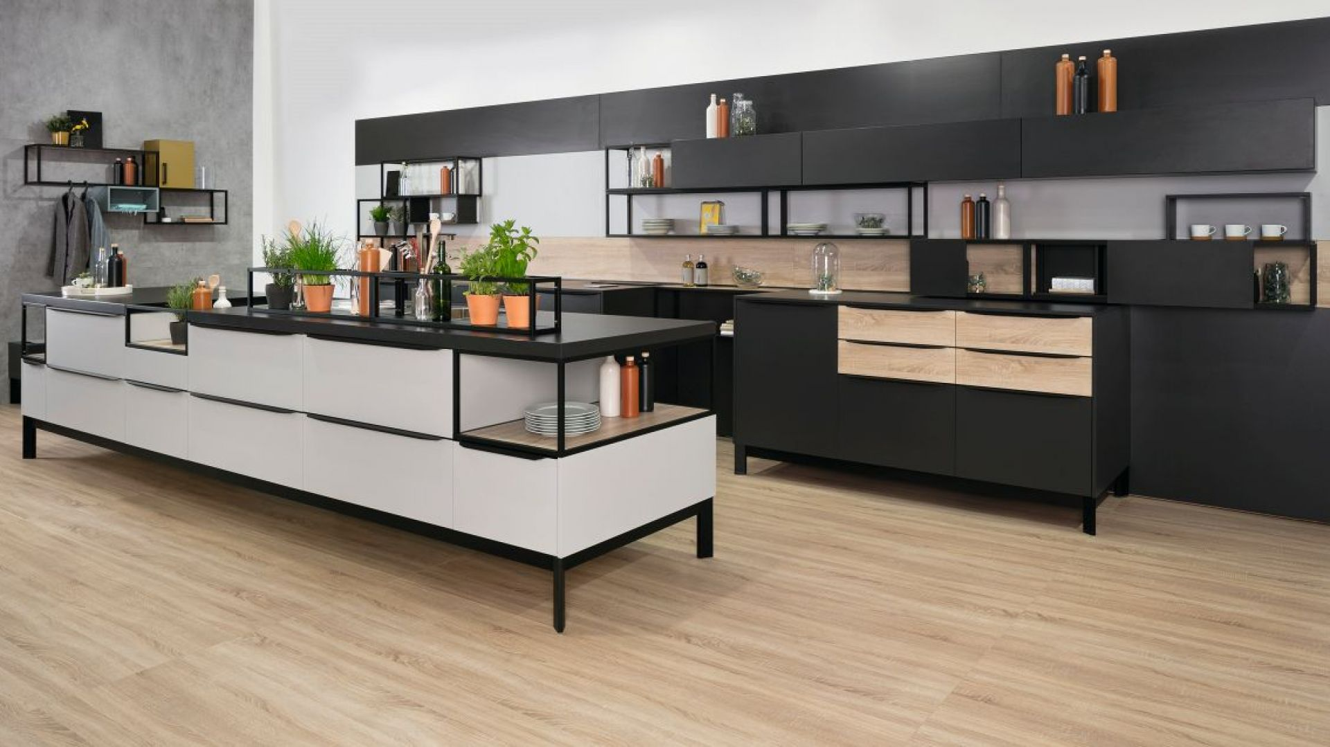 Modułowy system półek Smartcube wyróżnia się nowoczesnym stylem i geometryczną formą z możliwością rozbudowy. Fot. Peka