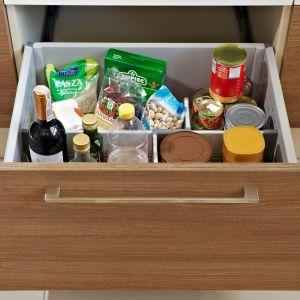 W roli domowego magazynu żywności idealnie sprawdzi się szuflada. Fot. KAM
