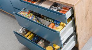 Podstawową zasadą w organizacji strefy przechowywania jest łatwy dostęp do zapasów. Pod ręką wcale jednak nie oznacza na wierzchu, tylko w odpowiednim miejscu.