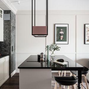 Kolaże  Aleksandry Morawiak zdobią ściany w prywatnych domach. Projekt wnętrza: JT Grupa. Fot. Foto&Mohito