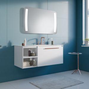 Lustro Anubis LED cechują dwa szerokie pasy światła po obu stronach tafli gwarantują optymalne doświetlenie całej powierzchni lustra. Fot. Ruke