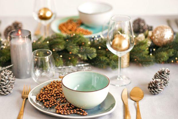Wigilijna kolacja z rodziną to najważniejsze wydarzenie Świąt Bożego Narodzenia. Właściwa dekoracja stołu jest kluczem do stworzenia wyjątkowej atmosfery, która sprawi, że wieczór na długo pozostanie w pamięci bliskich. Idealna aranżacja ni