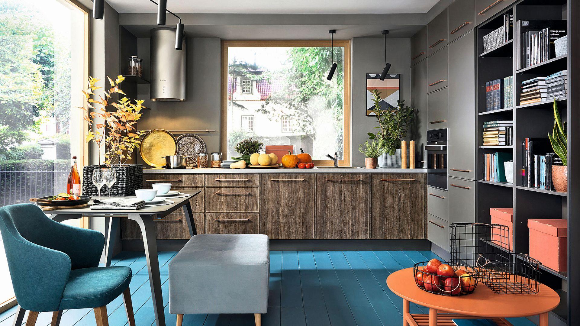 97th west street - w kuchni monokolor na wysokich szafkach i strukturę na niskich łączy ta sama forma frontów oraz charakterystyczny uchwyt w miedzianym kolorze. Fot. Black Red White