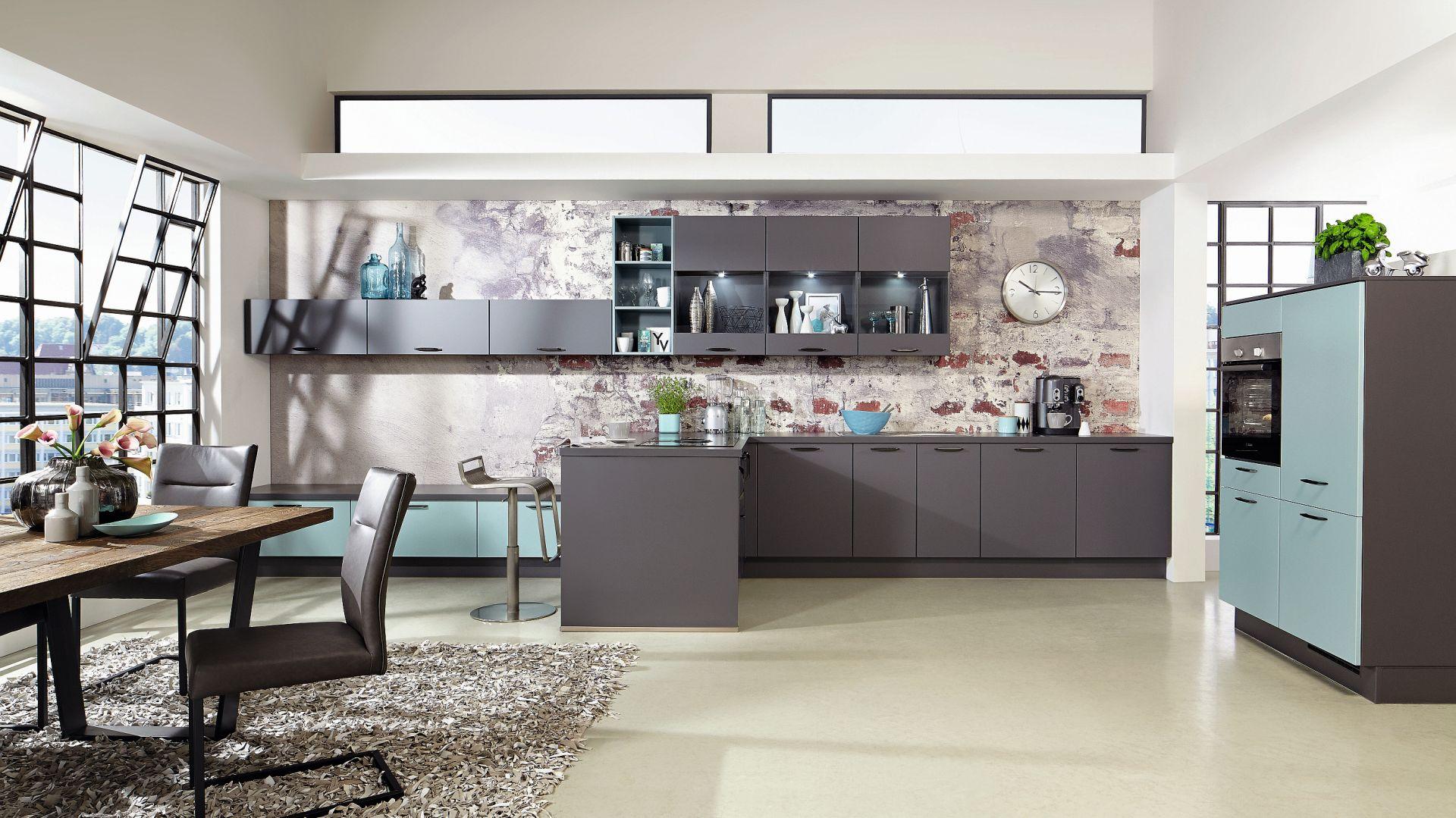 Touch 334 - kuchnia w nowoczesnym laminacie o matowym wykończeniu, który jest odporny na zabrudzenie i uszkodzenia. Fot. Verle Küchen