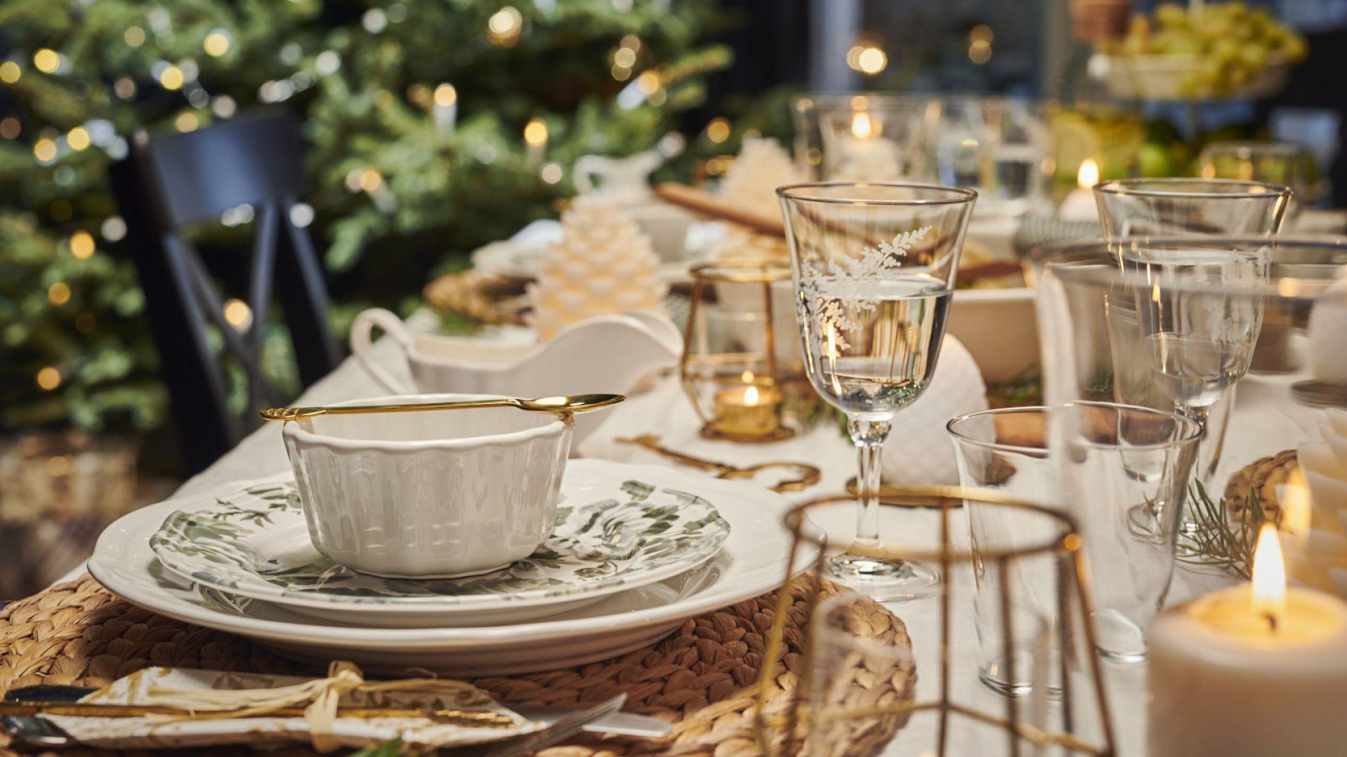 Aranżacja jadalni - magiczna oprawa stołu na święta - Nowoczesny pałacowy szyk. Fot. IKEA