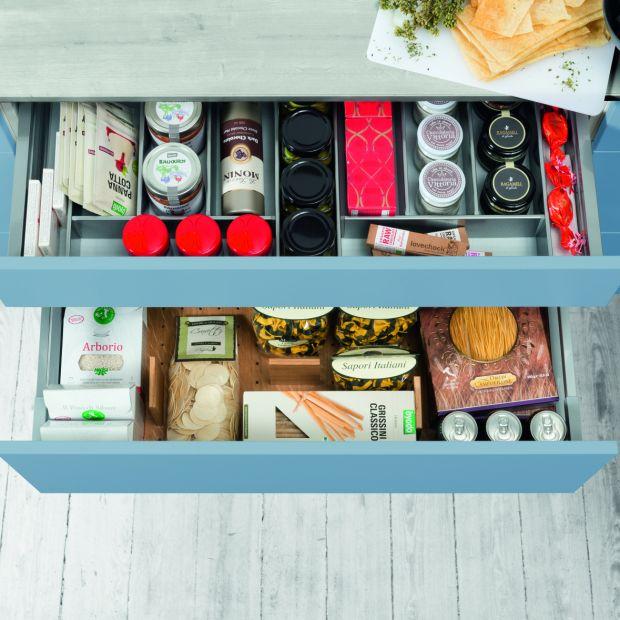 Przechowywanie w kuchni - szuflady z wewnetrzną organizacją