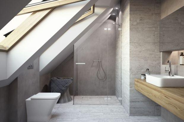 Głównie ze względu na skosy dachowe o różnym nachyleniu i zróżnicowaną wysokość pomieszczenia urządzenie łazienki na poddaszu może być prawdziwym wyzwaniem. Z pomocą przychodzą dedykowane rozwiązania, które dają możliwość swobodnego