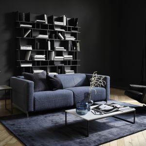 Elektryczna rozkładana sofa Parma to projekt Fransa Schrofera. Fot. BoConcept