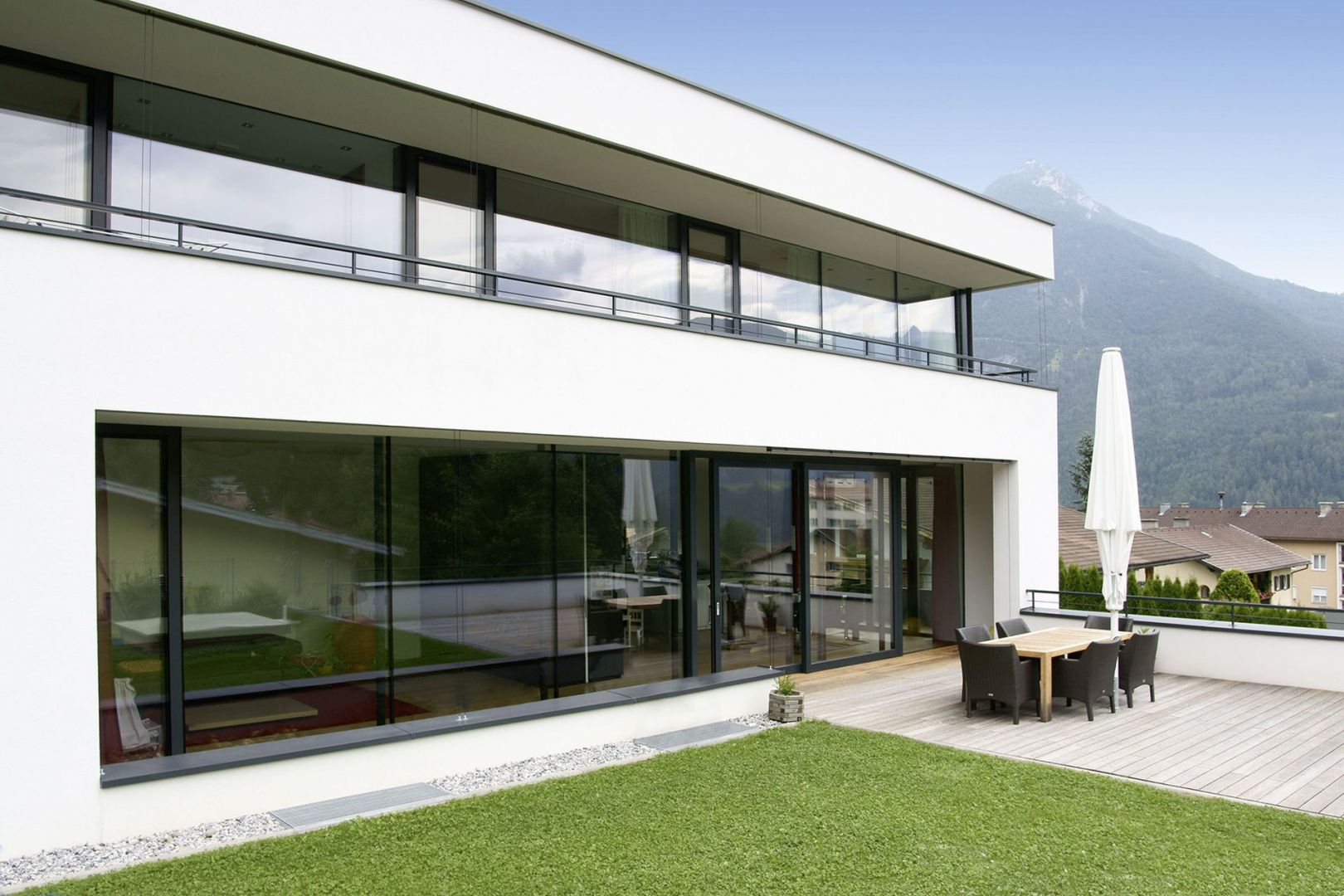 NAGRODA GŁÓWNA: okno wielkoformatowe HX 300/Internorm. Kategoria: Okna i Drzwi