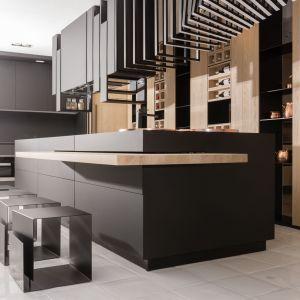 NAGRODA GŁÓWNA: laminat Rauvisio Brilliant/Rehau. Kategoria: Przestrzeń Kuchni i Jadalni